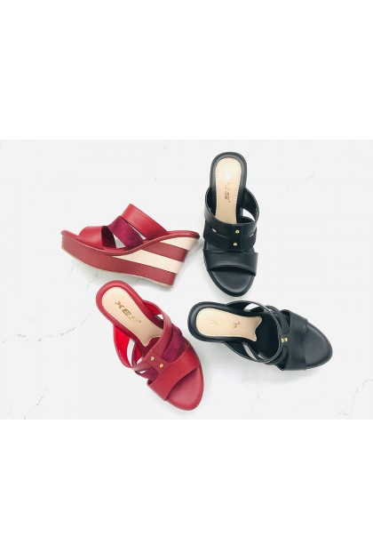 XES Ladies LM30430 Slip-on Wedges (Red, Black)